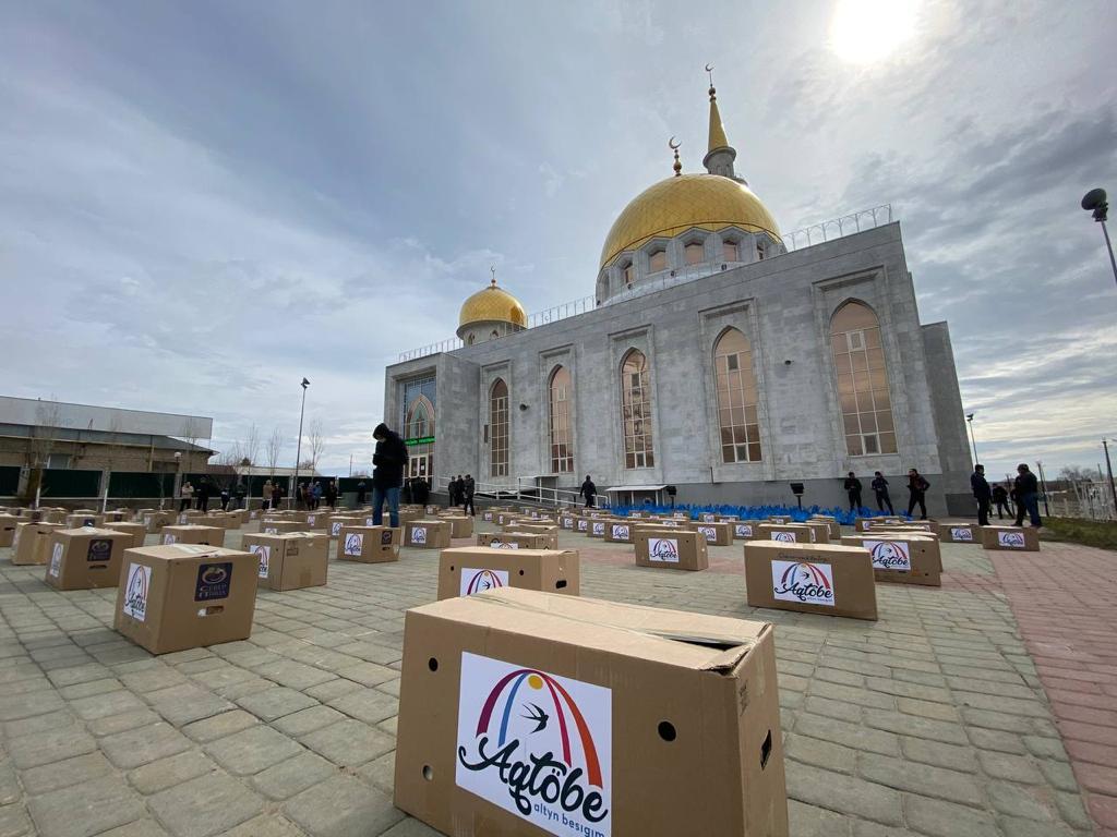 Ақтөбе: 200 отбасыға 4 тонна көмек берілді 621