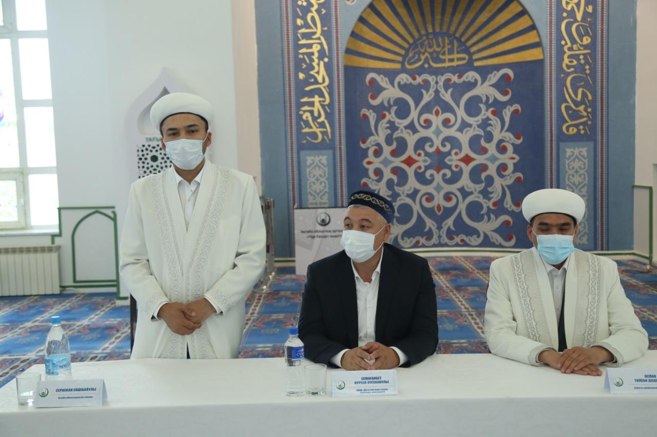 «Дін істері және талдау» бөлімінің меңгерушісі Ақтөбе имамдарымен кездесті